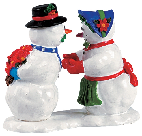Kissing Snowcouple Lemax Village